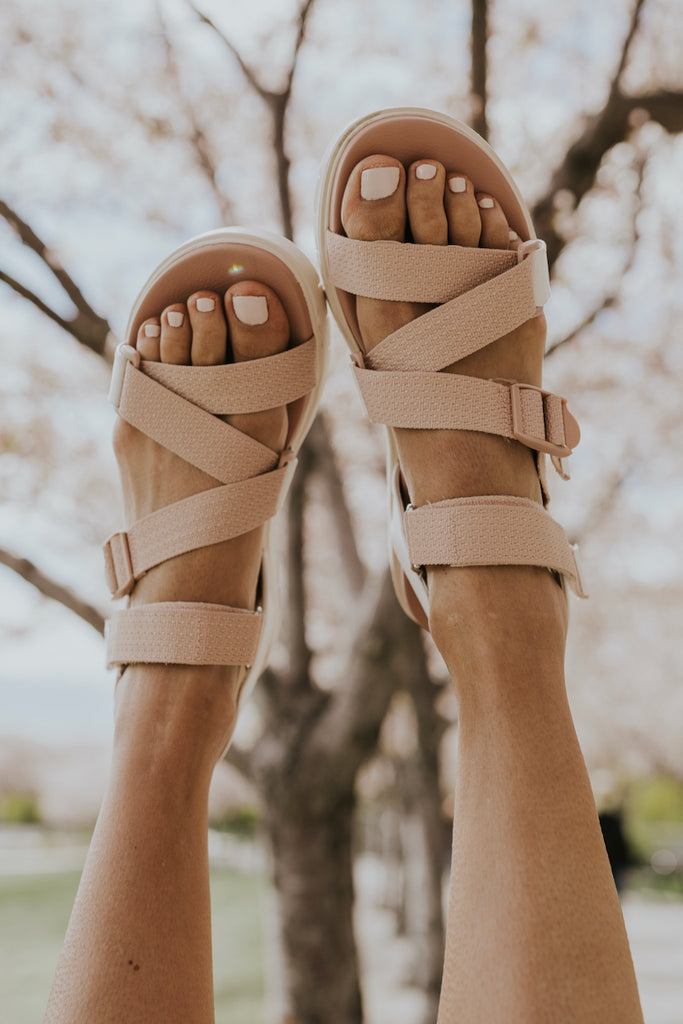 Padded Footbed Strap On Sandals | ROOLEE