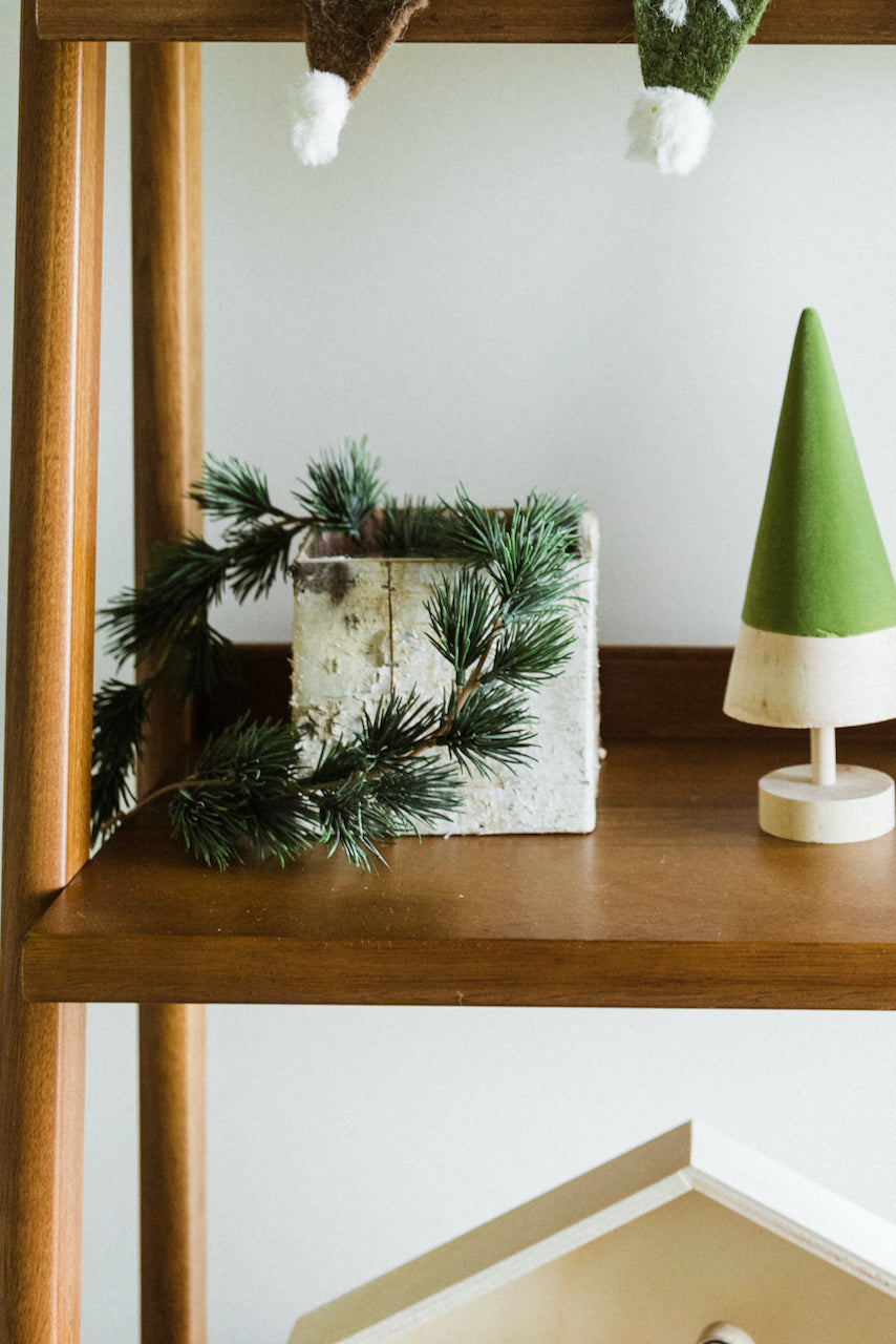 Wooden holiday decor | ROOLEE