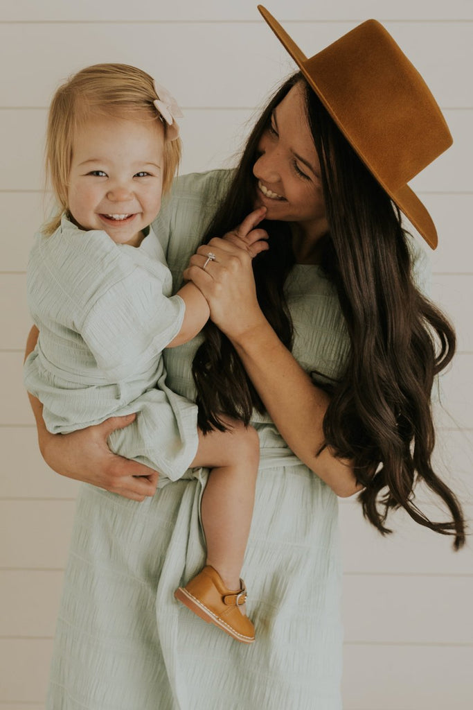 Pretty Mommy and Me Modest Spring Dresses | ROOLEE