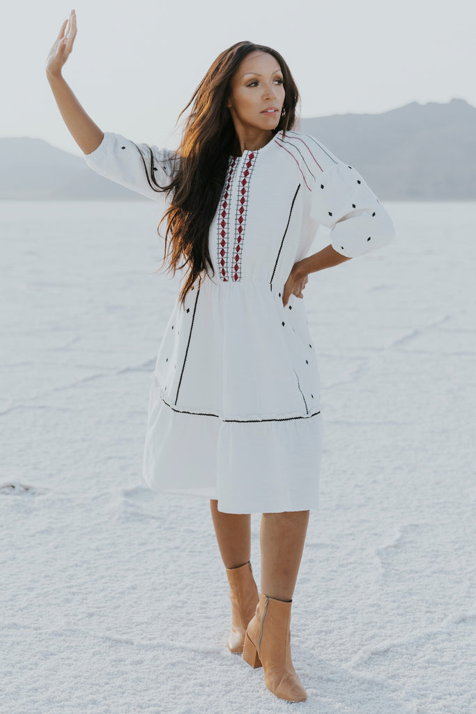White detail textured dress | ROOLEE