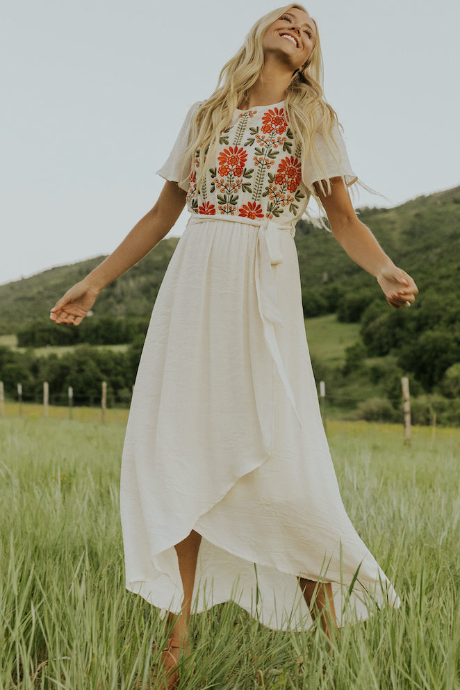 bright embroidery dresses | ROOLEE