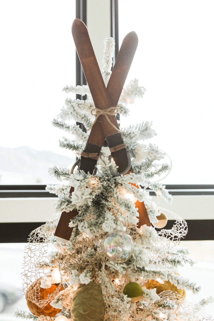Wood ski christmas topper | ROOLEE