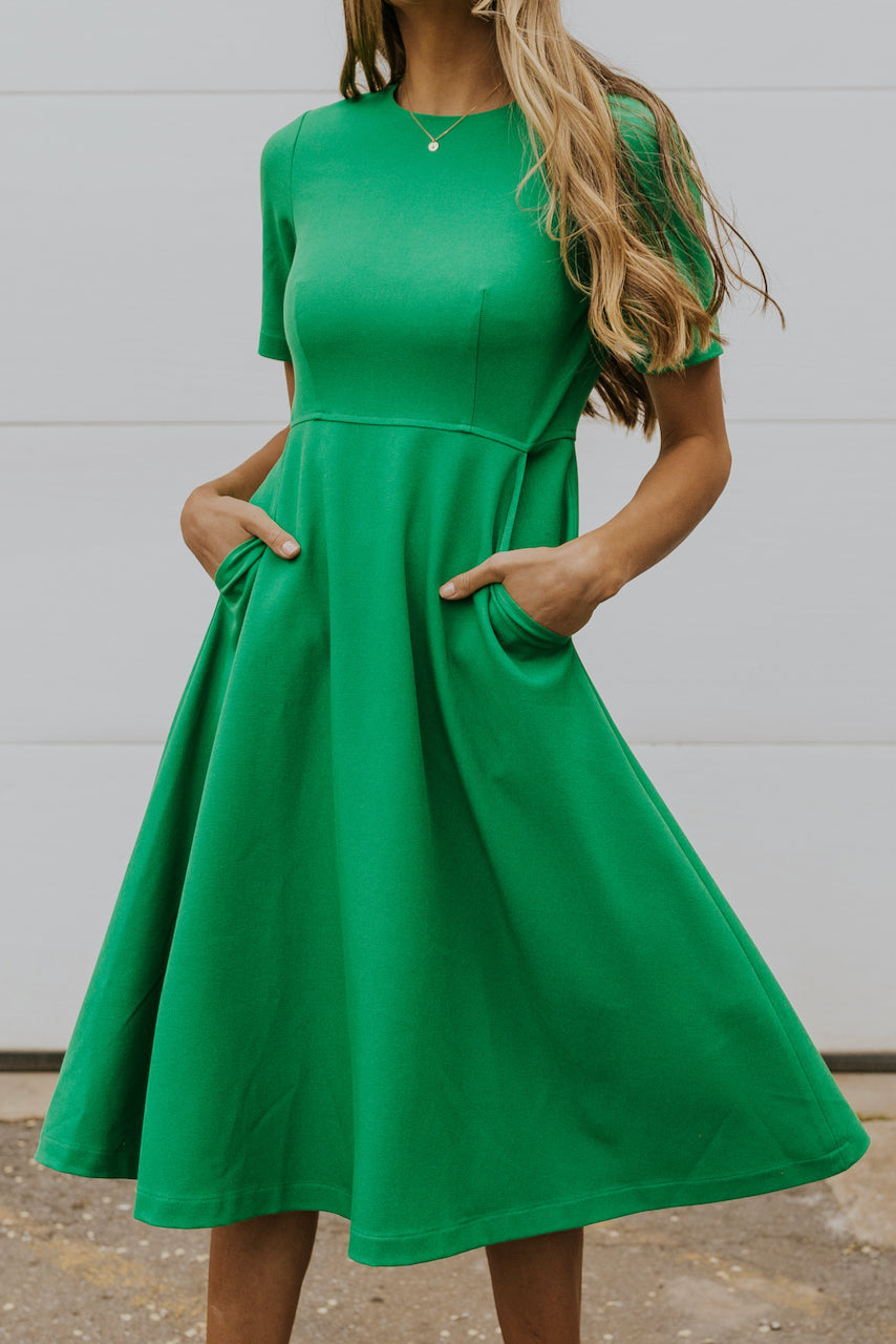 Flattering st. patricks day outfits | ROOLEE