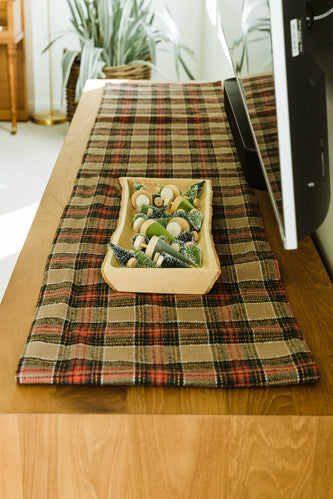 Cute plaid table runner | ROOLEE