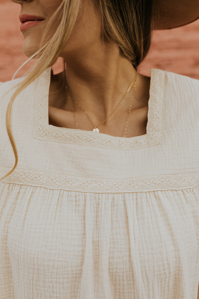 White lace short sleeve summer blouses | ROOLEE