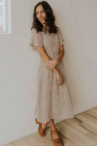 Neutral short sleeve midi | ROOLEE