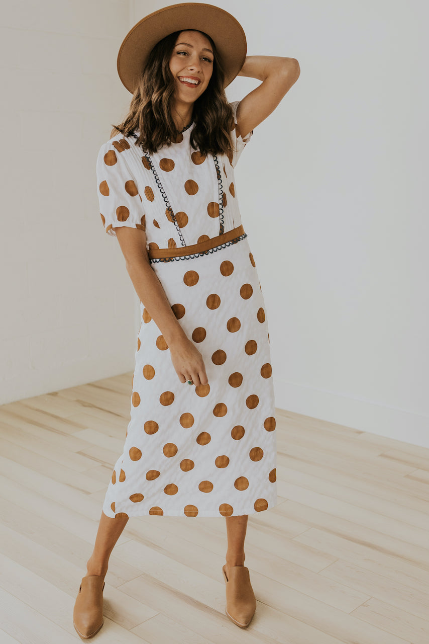 Cute polka dot nursing friendly dress | ROOLEE