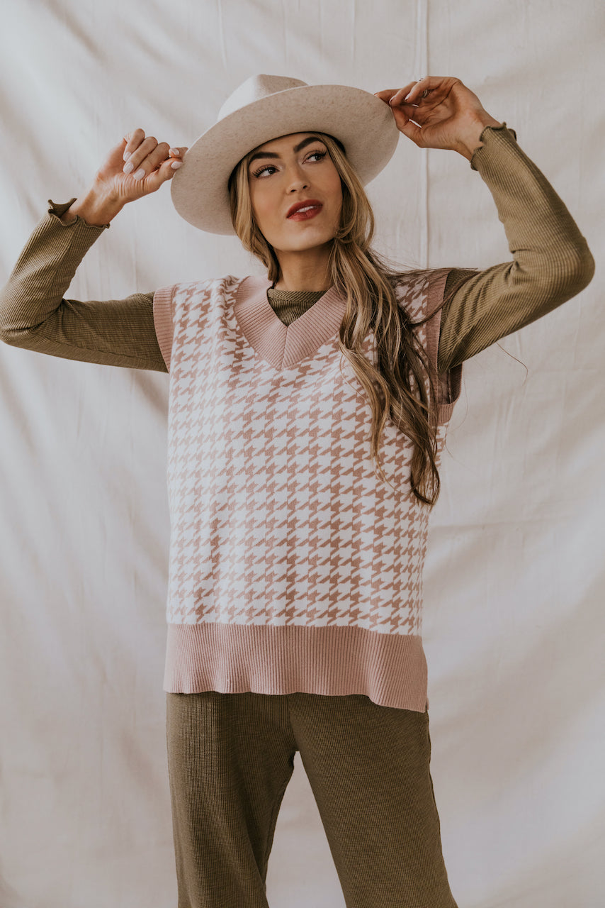 Taupe and White Houndstooth Sweater Vest | ROOLEE