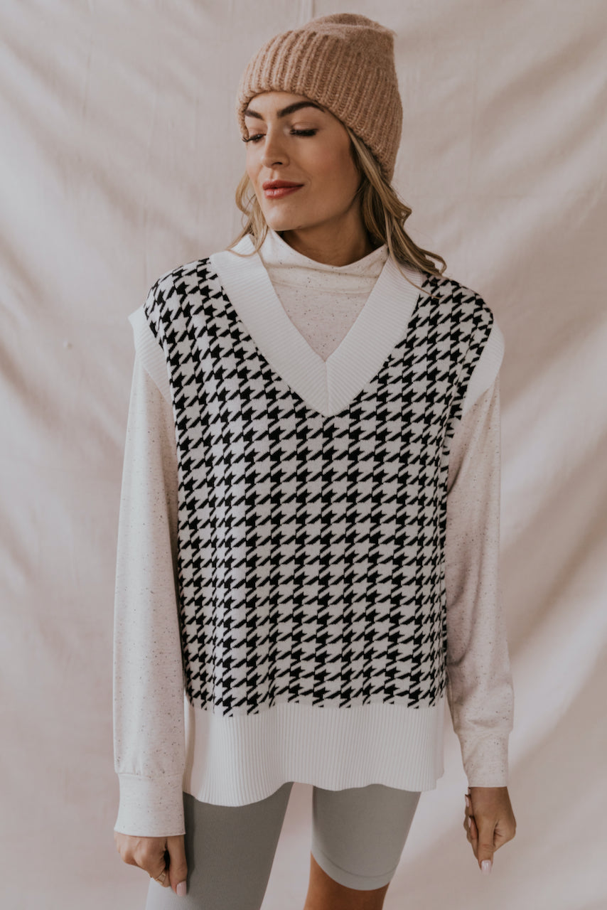 Black and White Houndstooth Oversized Sweater Vest | ROOLEE