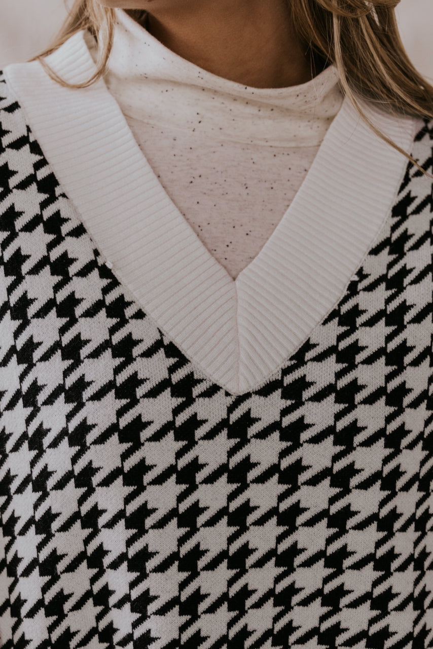 Black and White Oversize Sweater Vest | ROOLEE