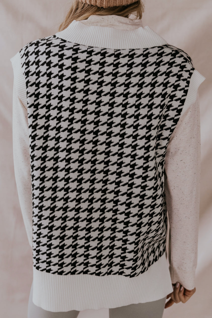 Cute Black and White Sweater Vest | ROOLEE