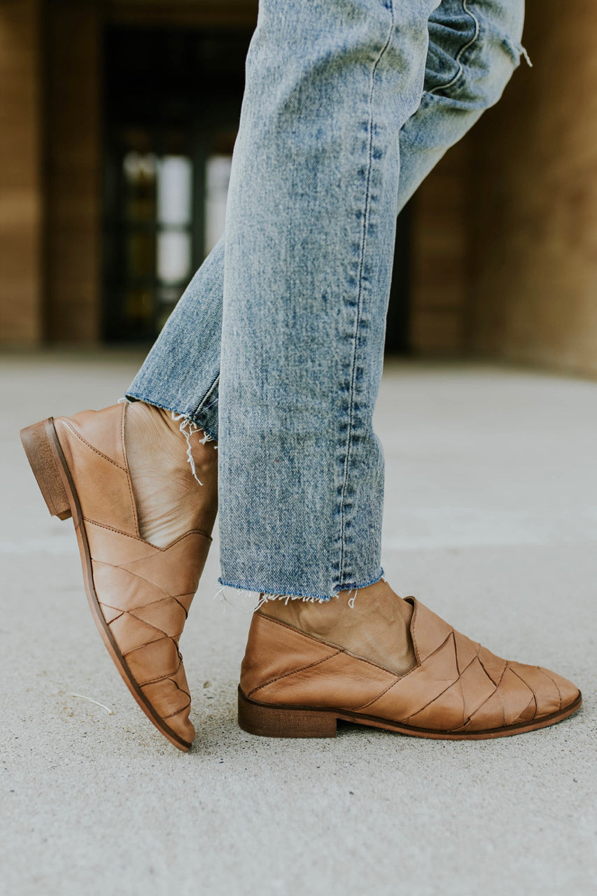 Woven Leather Flats With Subtle Heel | ROOLEE