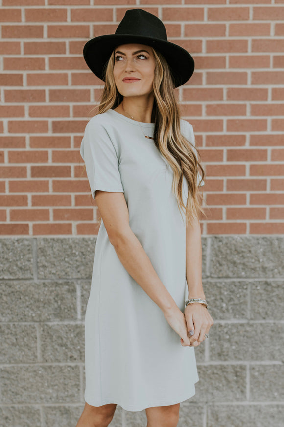 Short Sleeve Pocket Dress Outfit Ideas For Women | ROOLEE