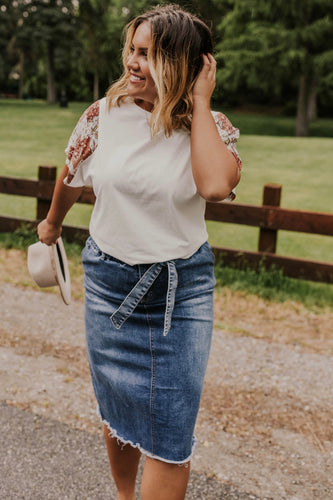 Modest Denim Skirt Outfit | ROOLEE