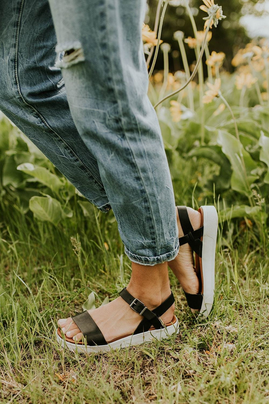 Meet In The Middle Sandal in Black | ROOLEE