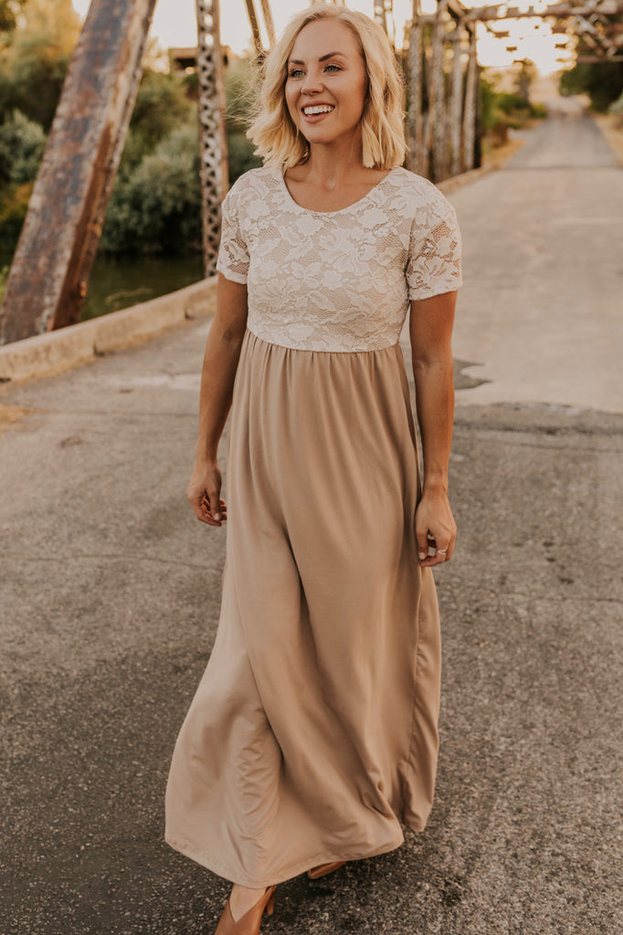 Lace Top Maxi Mom Dress | ROOLEE