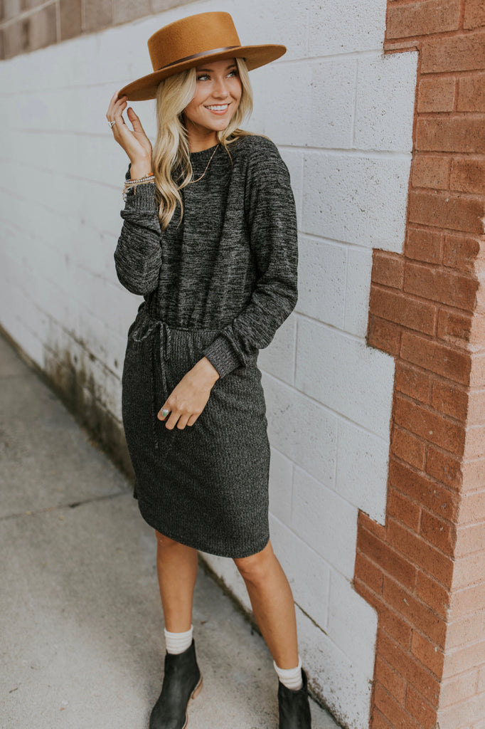 Cute Date Night Fall Outfit Ideas | ROOLEE