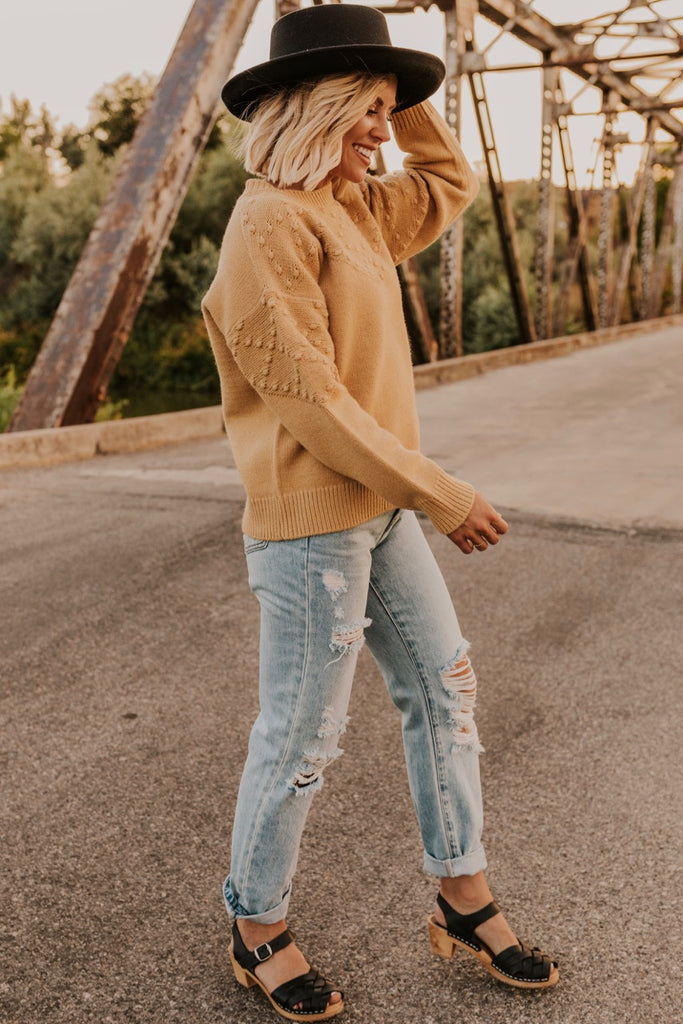 Textured Women's Sweater | ROOLEE