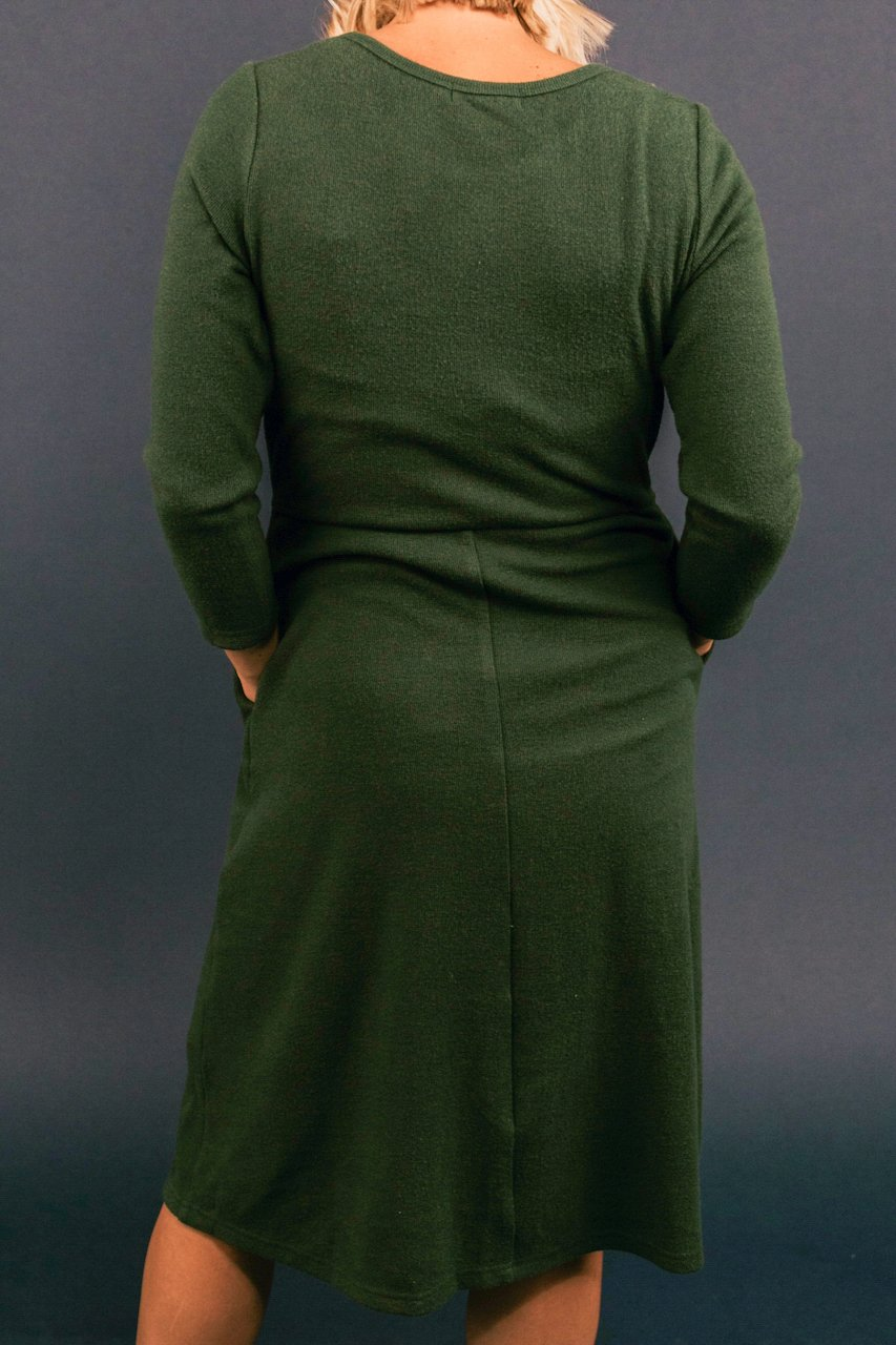 Simple Green Nursing Friendly Dresses | ROOLEE