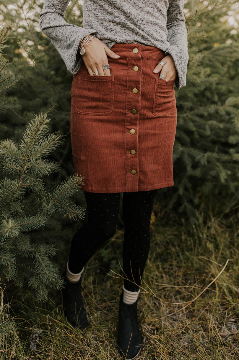 Cute Date Night Skirts for Winter | ROOLEE