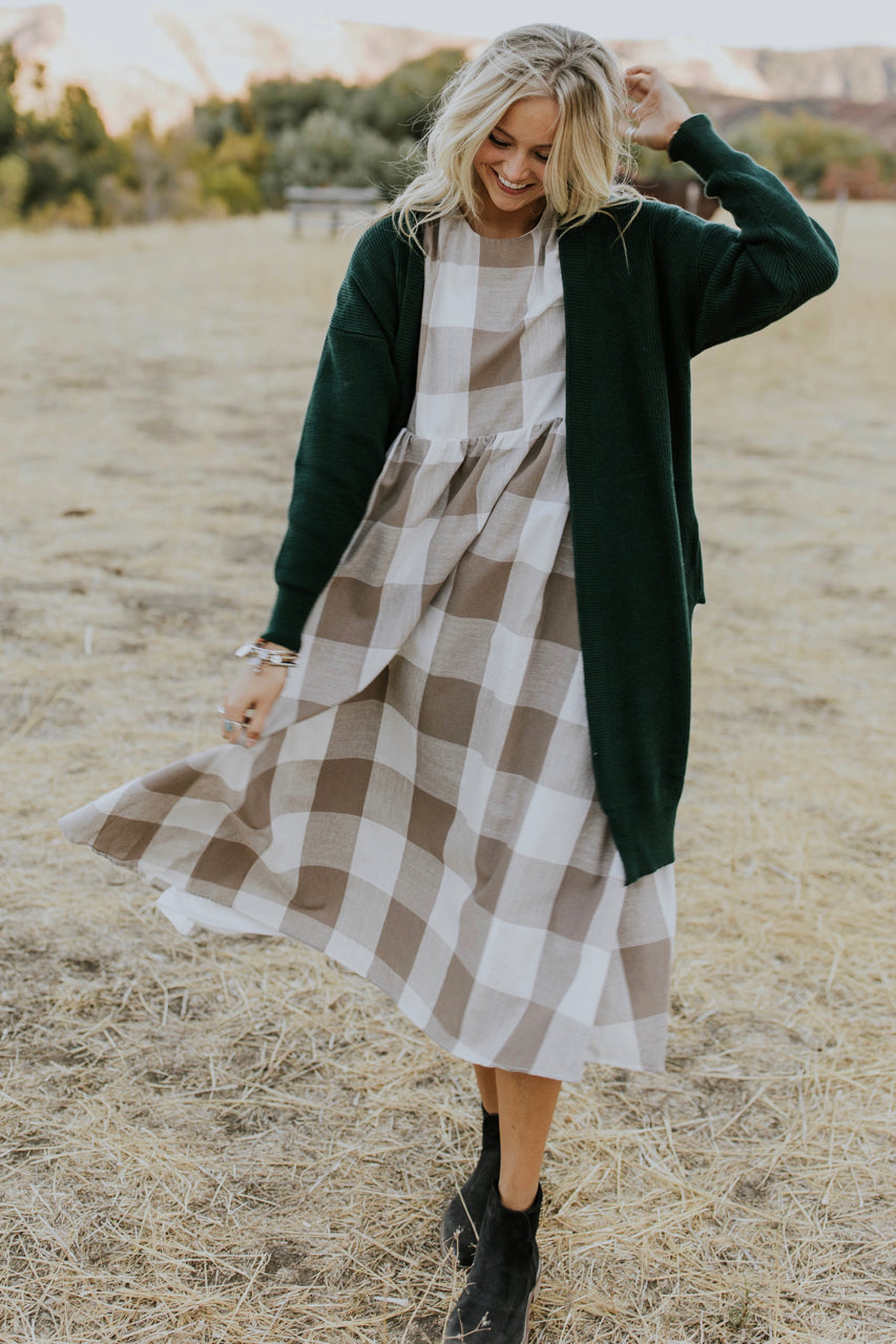 Knit Cardigan Outfit | ROOLEE