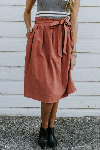 Cute And Comfy Tie Skirt Outfit Ideas For Women | ROOLEE