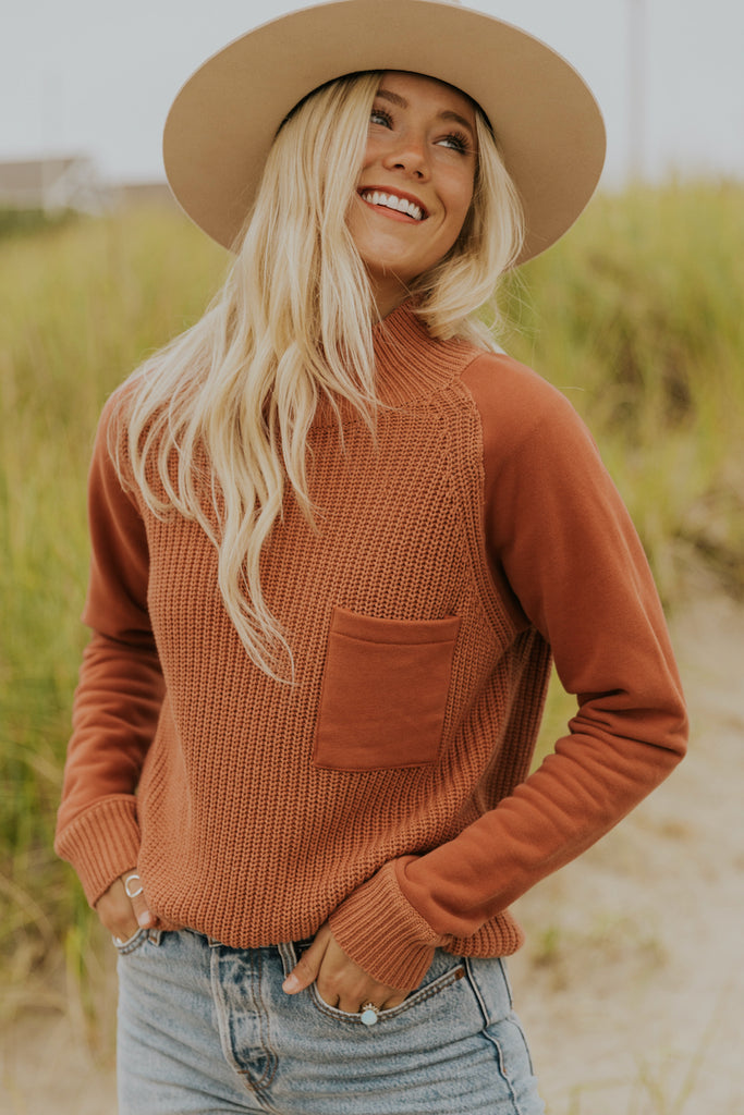 Coral knit sweaters for fall | ROOLEE
