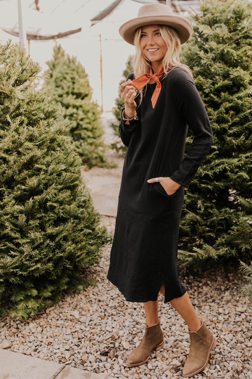 Black Textured Long Sleeve Midi Outfit Ideas | ROOLEE