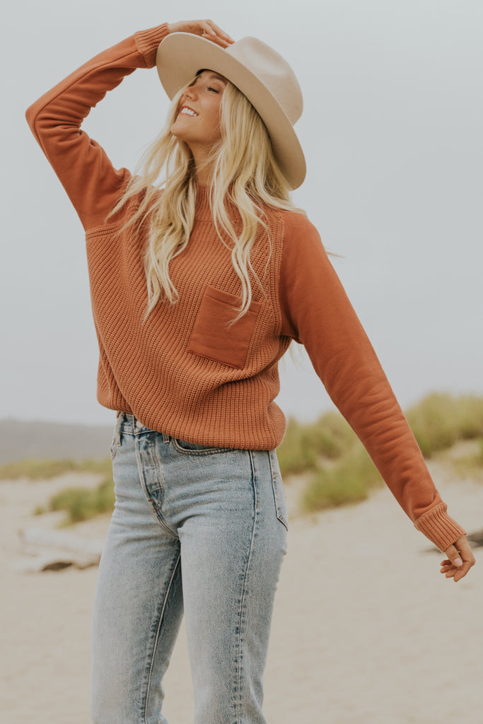 Close knit light camel pullover | ROOLEE