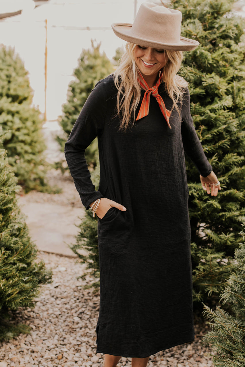 Textured Long Sleeve Midi Dress Outfit | ROOLEE