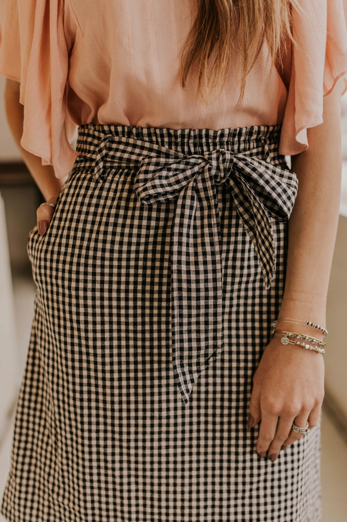 Simple Skirt Outfit | ROOLEE
