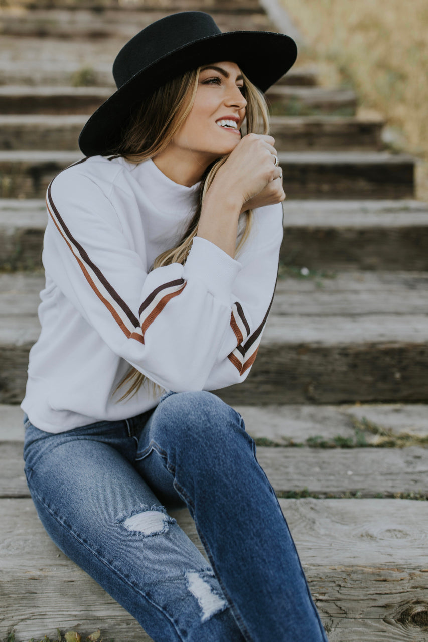 Striped Sleeve Sweater | ROOLEE