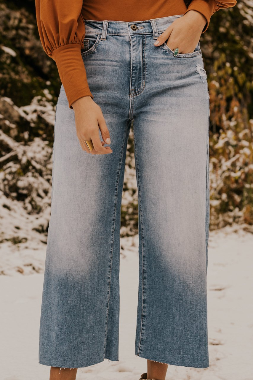 Light Wash Mid Rise Jeans | ROOLEE