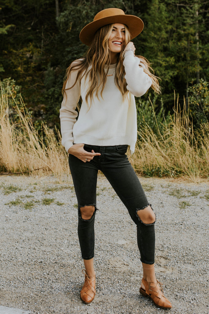 Knit Sweater Outfit | ROOLEE