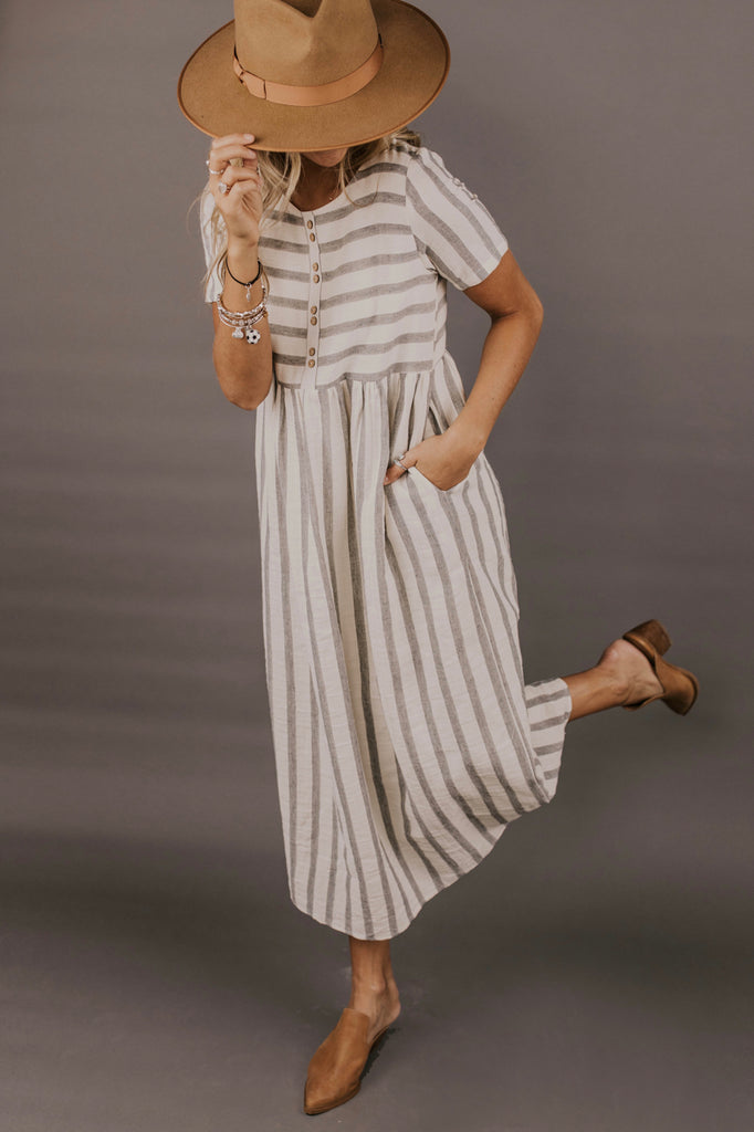 Stripe Dress Outfit Ideas | ROOLEE