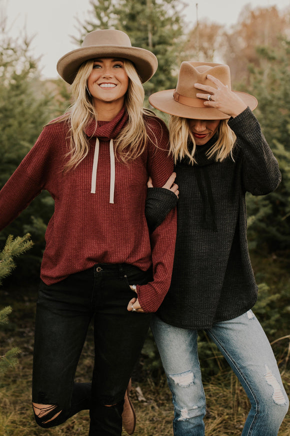 Cozy Sweater Winter Outfit Inspiration | ROOLEE