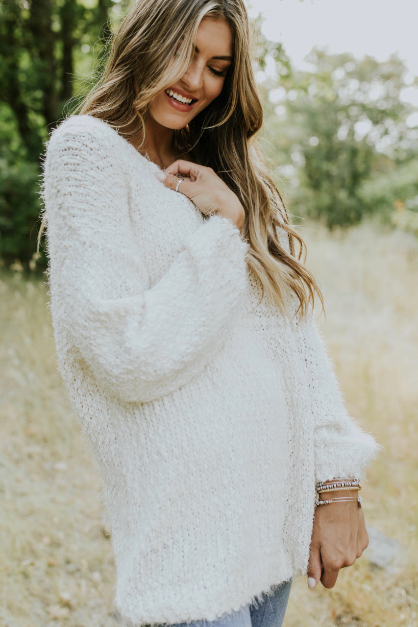 Cute And Cozy Pullover Sweater Outfit For Women | ROOLEE
