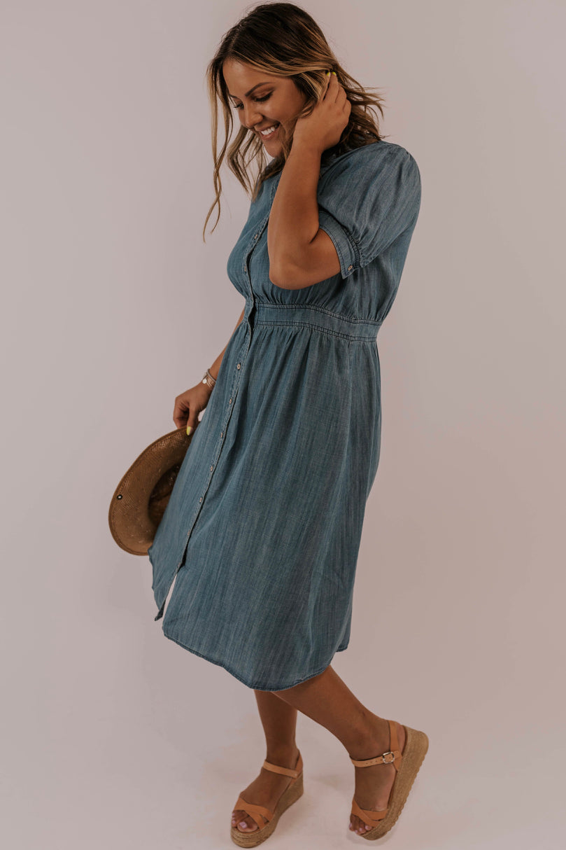 Denim Dress Outfit Inspiration | ROOLEE