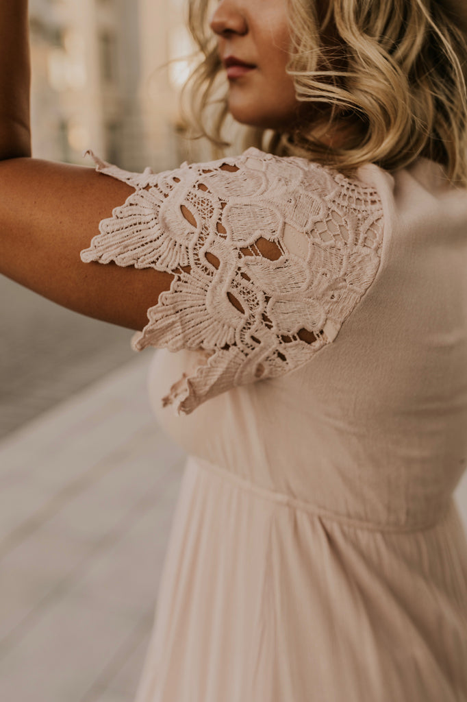 Lace Detailing on the Sleeves | ROOLEE