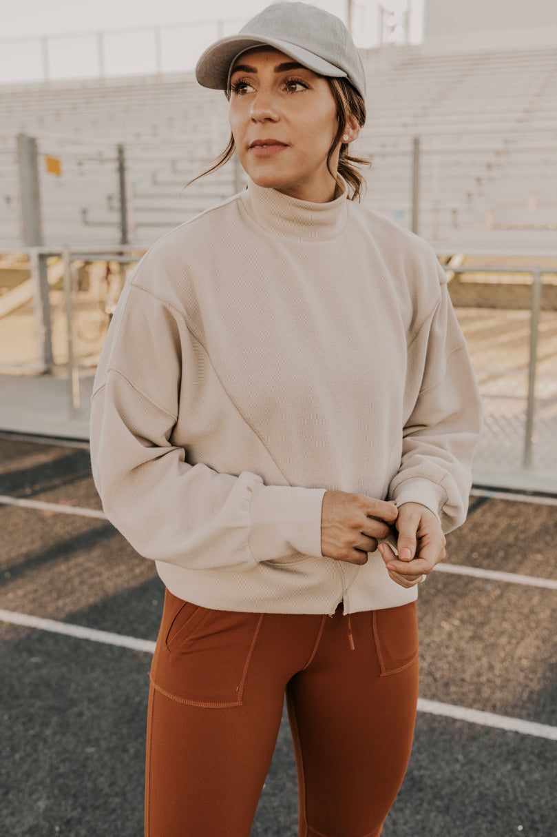 High Neck Pullover | ROOLEE