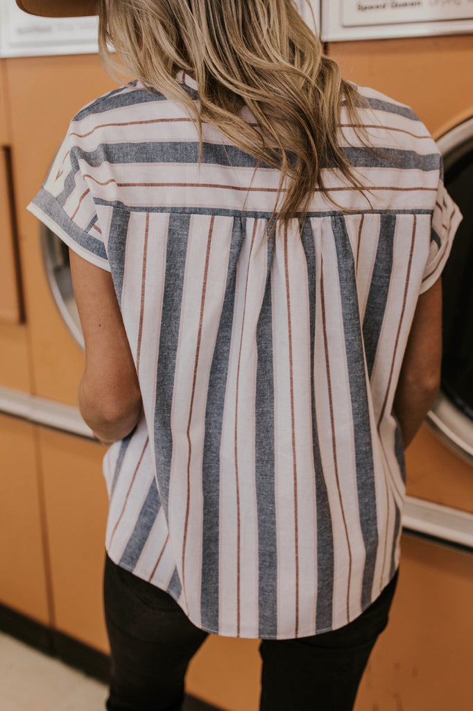 Striped Short Sleeve Button Down Outfit Ideas | ROOLEE