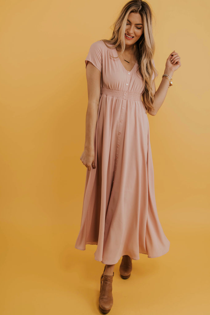 Modest Maxi Dress Outfit Ideas | ROOLEE