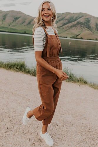 Overalls Outfit Ideas | ROOLEE