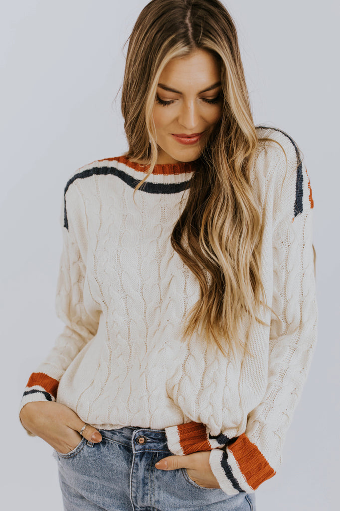 Cute Date Night Sweater Ideas For Autumn Weather | ROOLEE