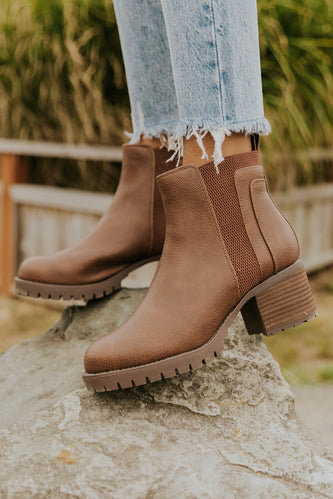 Cute brown rubber sole boots | ROOLEE