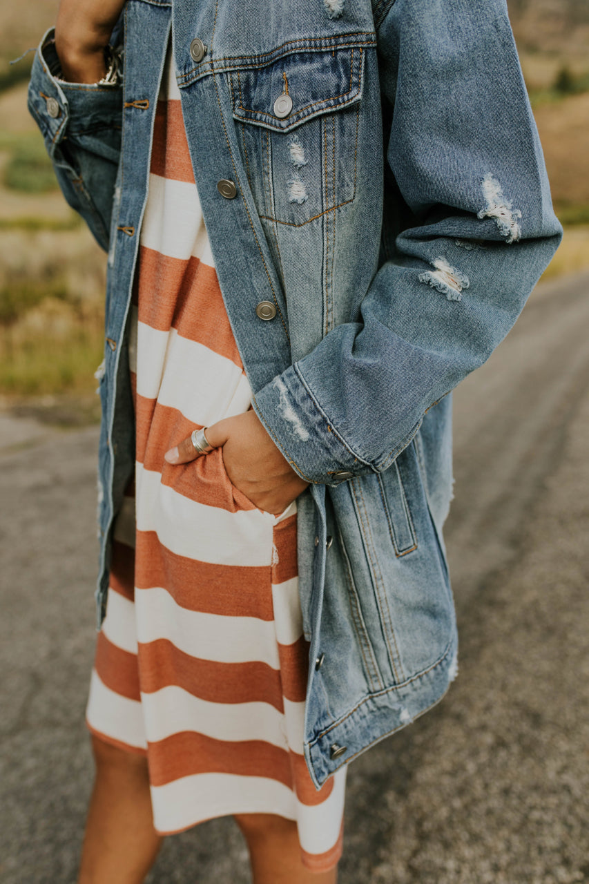 Distressed Denim Jacket Outfit Casual | ROOLEE