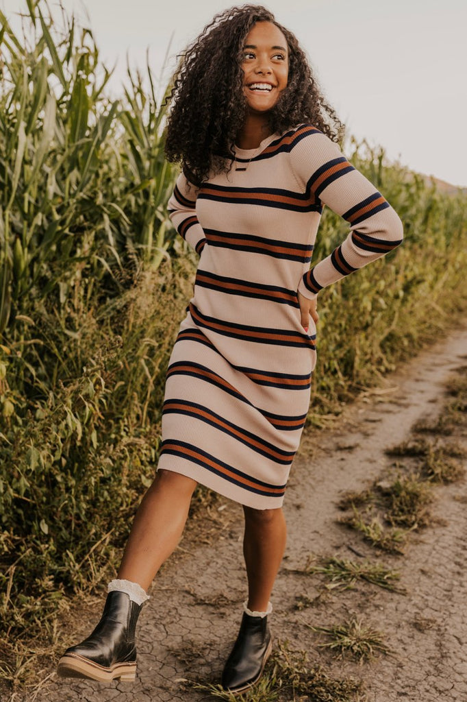 Crew Neck Shift Dress | ROOLEE