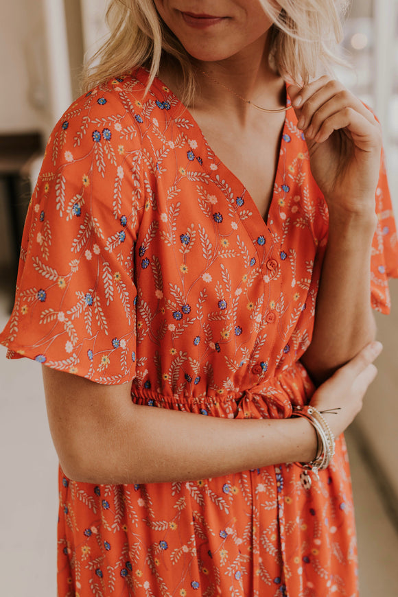 Floral Tie Waist Maxi Outfit Ideas | ROOLEE