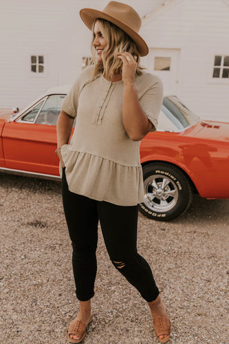 Cute Women's Outfit Ideas | ROOLEE