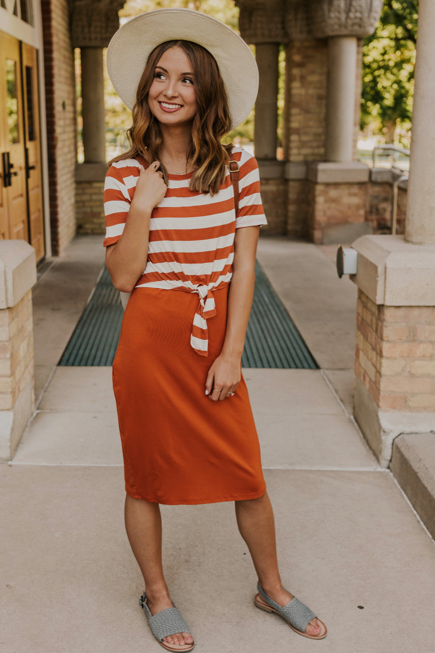 Cute Nursing Friendly Fall Outfit | ROOLEE